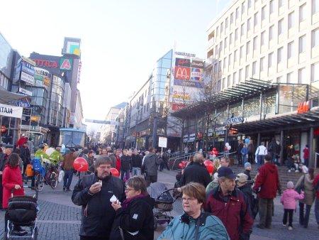 2008/10/28 - 12 - Kuvasivu 1 - Unelmia vaalien aattopäivänä. Lasi-Kalle - Pysähtyminen kielletty ...