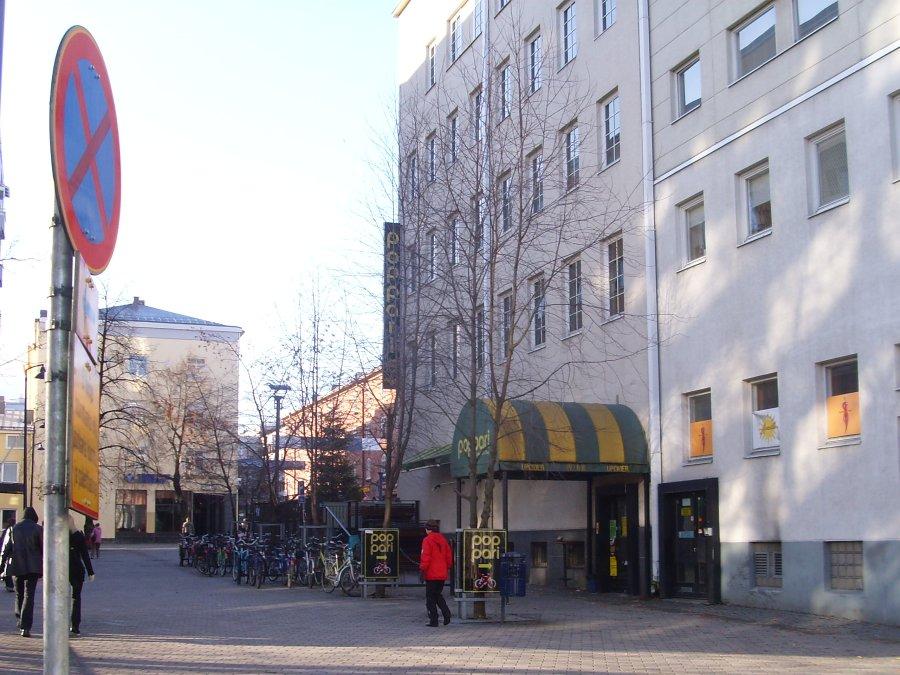 2008/10/28 - Viikkosanomat - Kuvasivu1 - 27 kuvaa vaalin aattona Jyväskylässä. - Timo Soinin ...